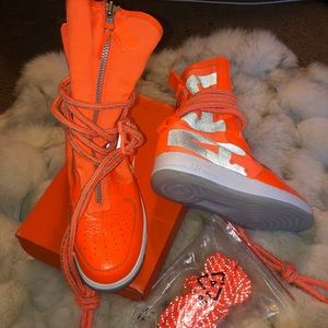 Authentic Nike shoes 🧡🧡🧡 Brand New